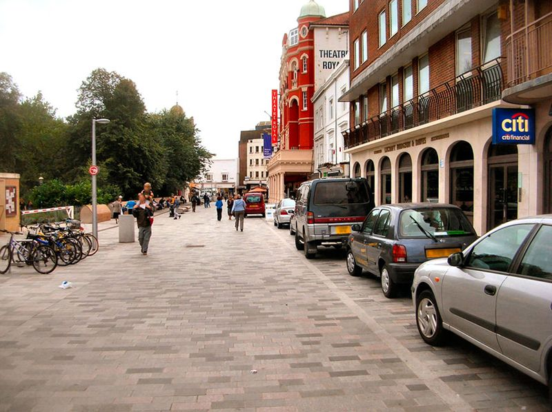 New_road_brighton_-_shared_space