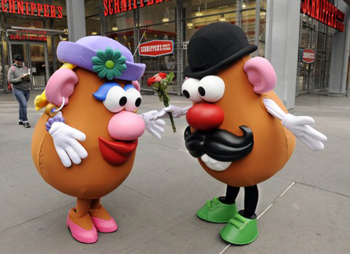 Mr-and-mrs-potato-head